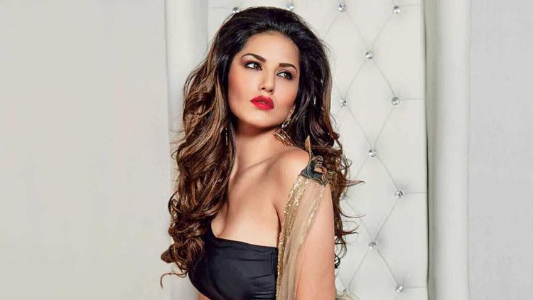 Sunny Leone Is An Epitome Of Grace And Beauty In White Polka Dot Dress - Starbizcom-3402