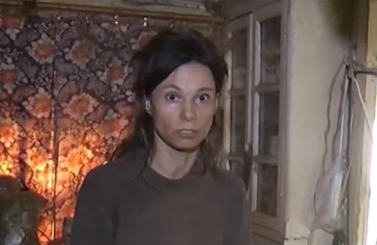 Russian Mom Caged Daughter 1